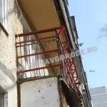 Остекление балкона.Металлический каркас