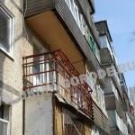Остекление балконов.Грунтовка металлического каркаса