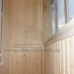 otdelka-balkonov-v-kurske-foto-i-tseny-shkafy-i-tumby-iz-vagonki