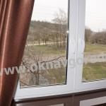 Пластиковые окна в Курске с ручками ROTO SWING и подоконниками Меллер цвет ВЕНГЕ глянец