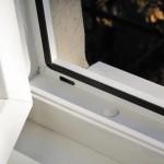 Уход за окнами.Очистка дренажных отверстий