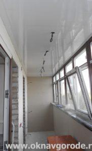 Балконы в Курске. Утепление и обшивка потолка панелями ПВХ + электрика (1)