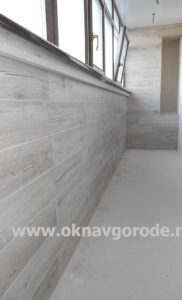 Отделка балкона Курск. Обшивка стен ламинатом (1)