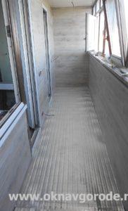 Отделка балконов в Курске. Укладка электрического теплого пола + настил ламината (2)