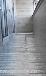 Отделка балконов в Курске. Укладка электрического теплого пола + настил ламината (3)